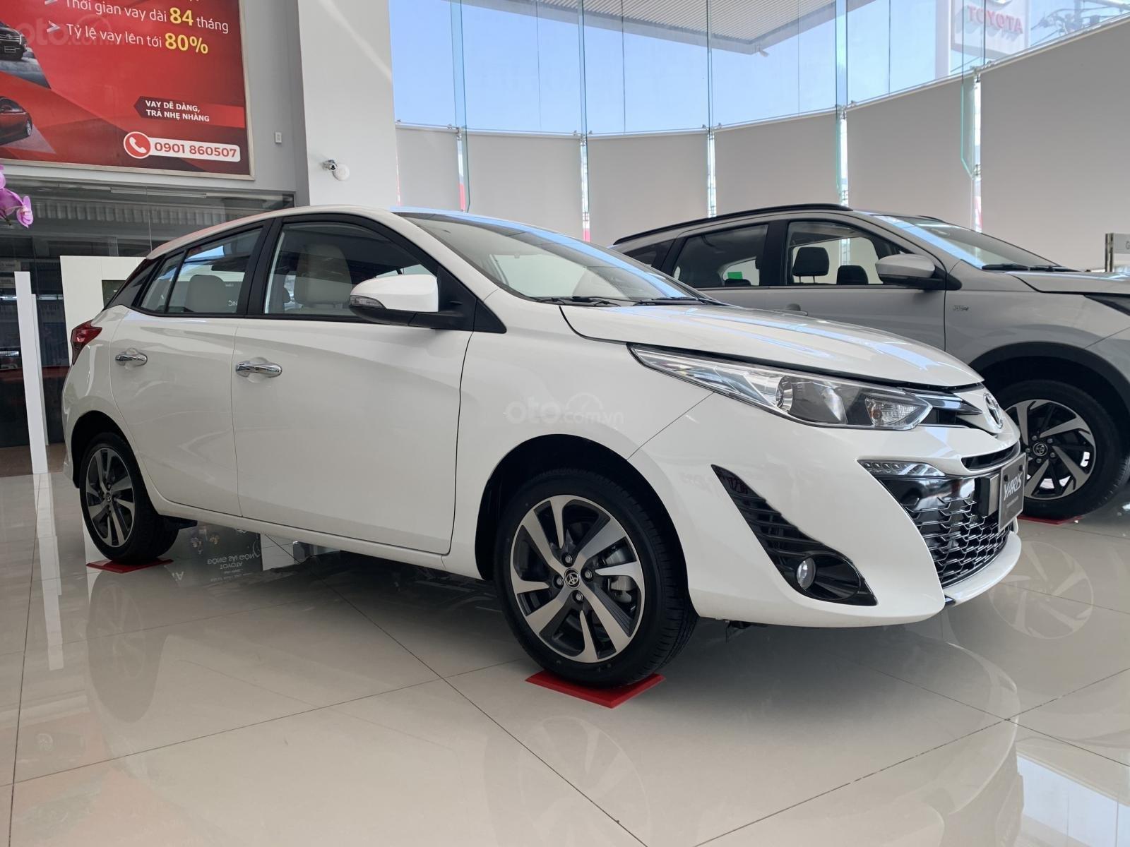 Toyota Yaris giao ngay - đủ màu - khuyến mãi ưu đãi (2)