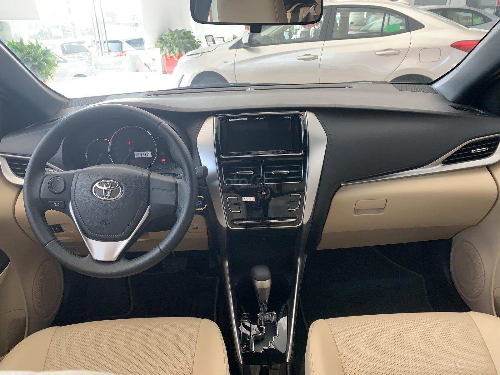 Toyota Yaris giao ngay - đủ màu - khuyến mãi ưu đãi (4)