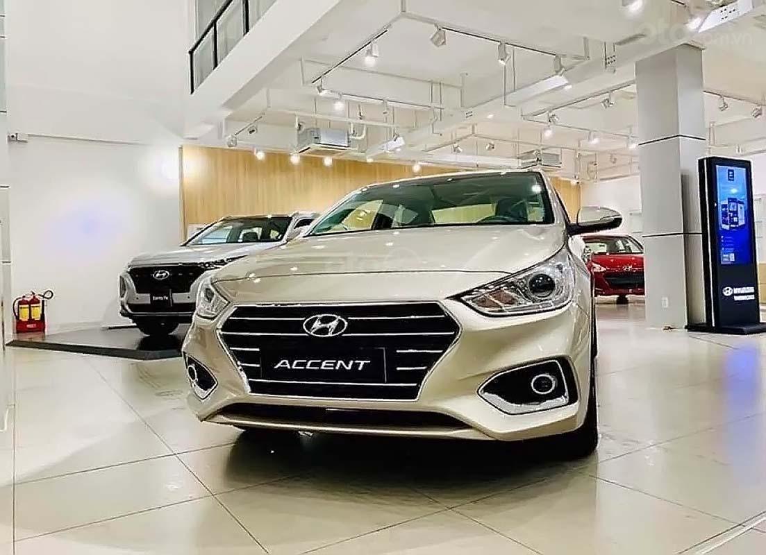 Cần bán Hyundai Accent 2019, màu kem (be) (1)