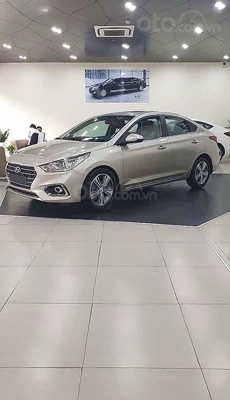 Cần bán Hyundai Accent 2019, màu kem (be) (2)
