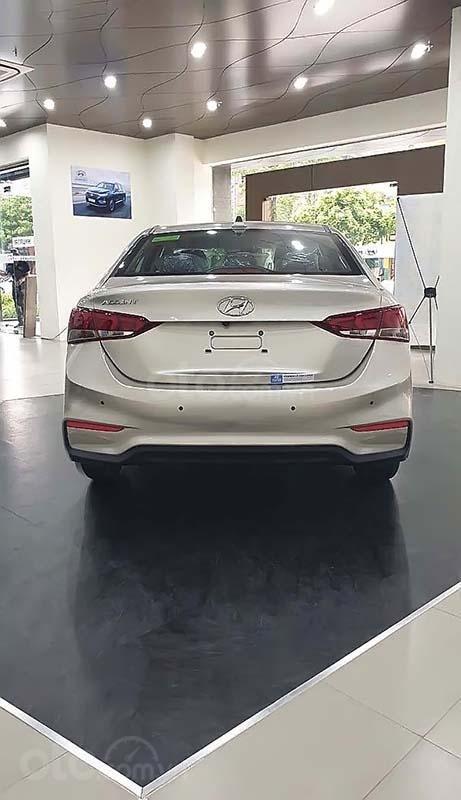 Cần bán Hyundai Accent 2019, màu kem (be) (5)