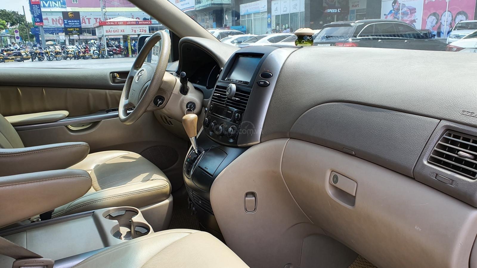 Cần bán xe Toyota Sienna LE 3.5 sản xuất 2008 màu vàng, nhập khẩu (7)