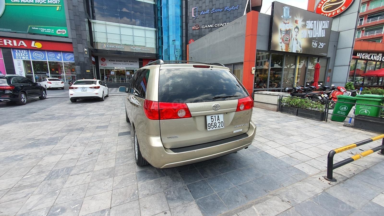 Cần bán xe Toyota Sienna LE 3.5 sản xuất 2008 màu vàng, nhập khẩu (15)