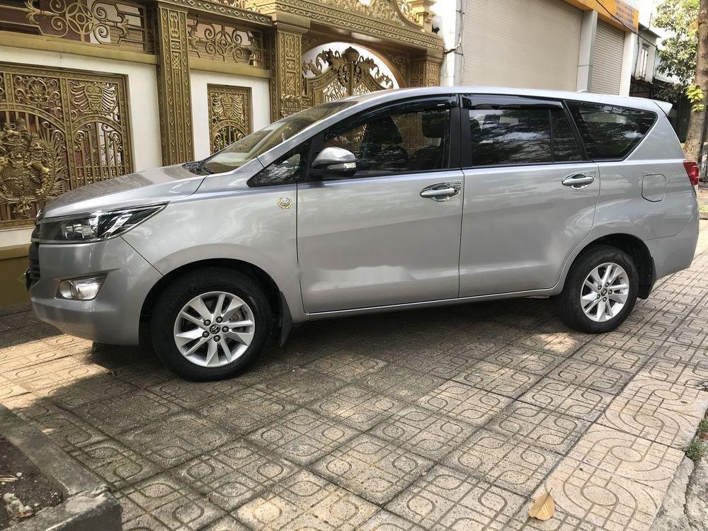 Bán ô tô Toyota Innova 2017 xe nguyên bản (1)