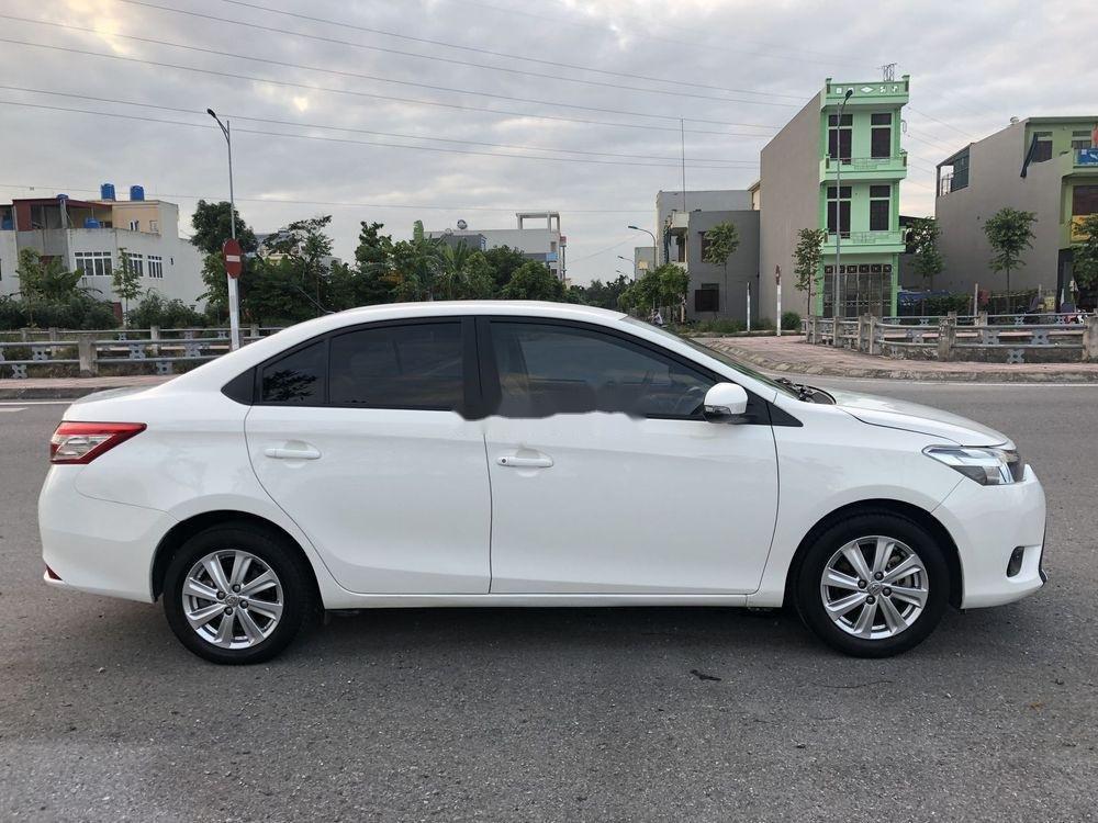 Bán Toyota Vios sản xuất năm 2017, màu trắng xe gia đình xe nguyên bản (4)