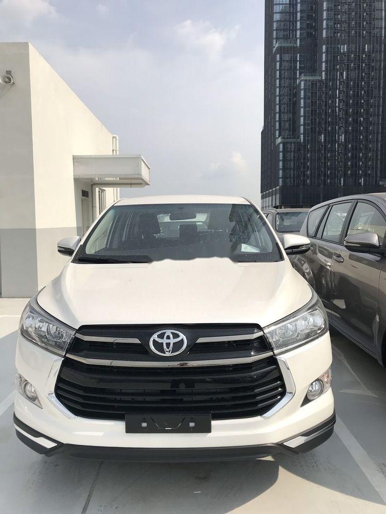 Bán Toyota Innova 2019, màu trắng, giá tốt (1)