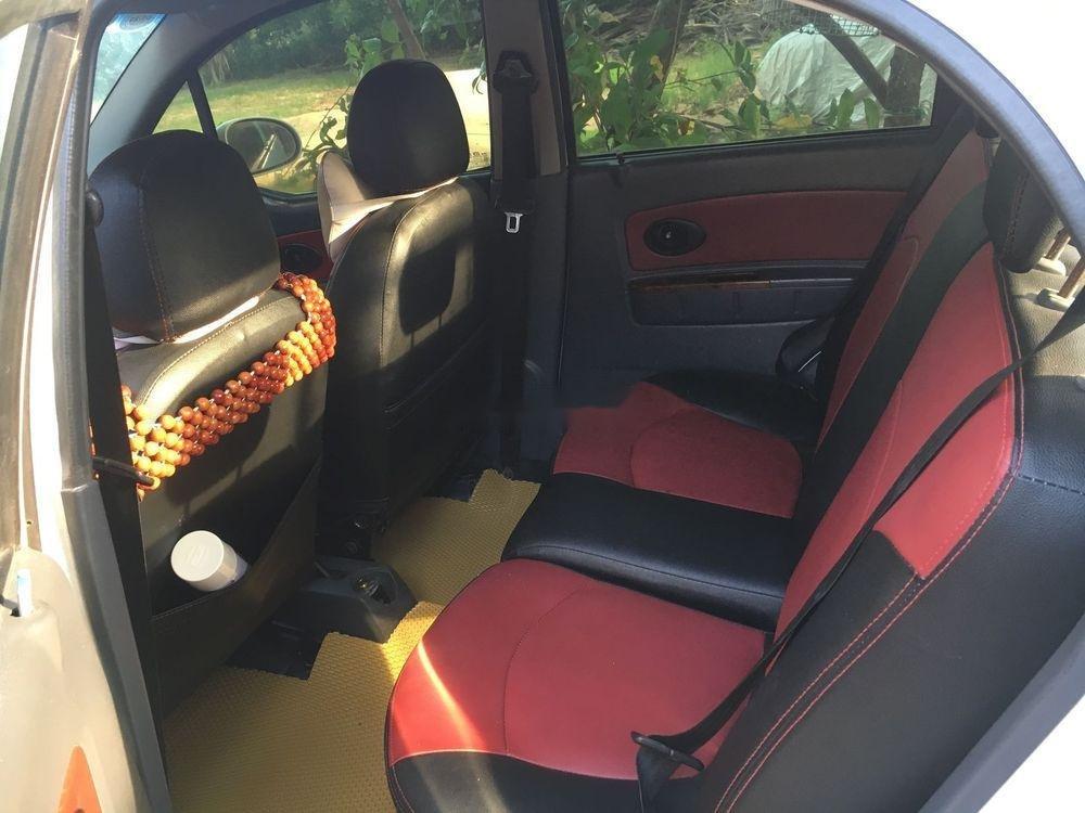 Bán Chevrolet Spark năm sản xuất 2010, màu trắng, xe chạy rất tốt lợi xăng (3)