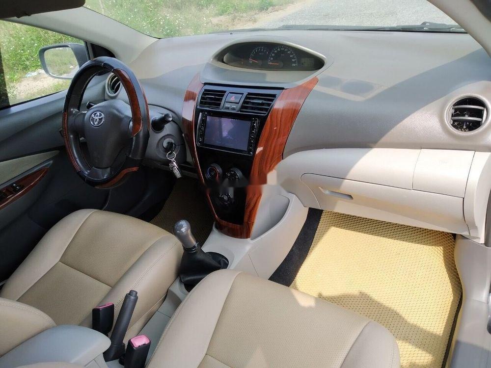 Cần bán Toyota Vios 2010 xe nguyên bản (4)