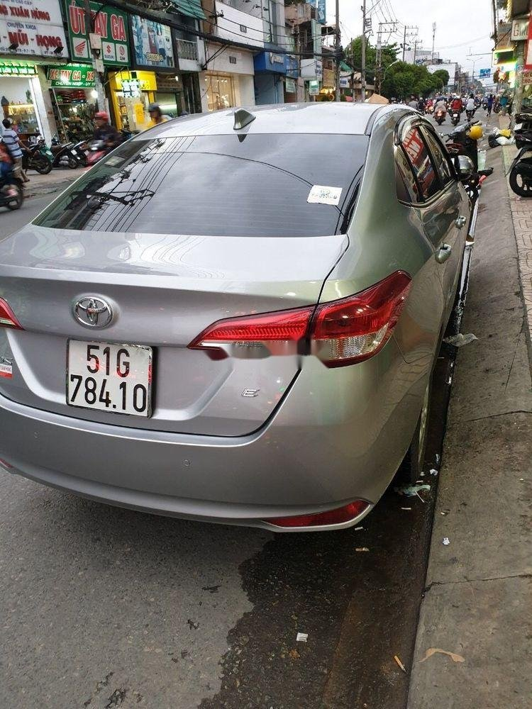 Bán xe Toyota Vios năm 2019 còn mới (2)
