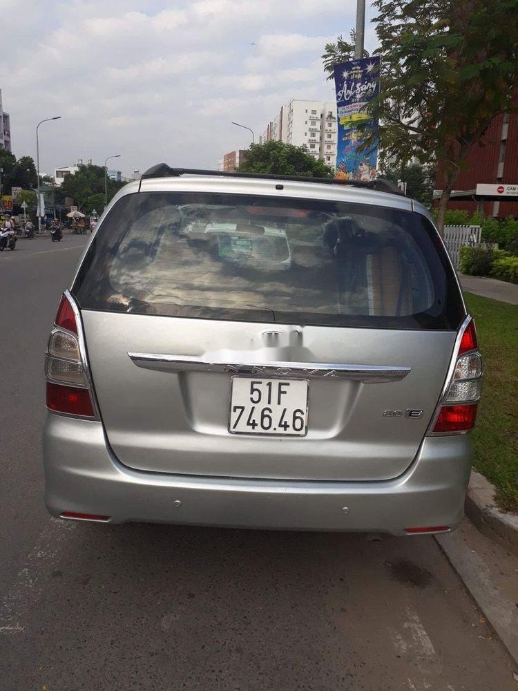 Bán Toyota Innova đời 2013, màu bạc, nhập khẩu nguyên chiếc, giá tốt (2)