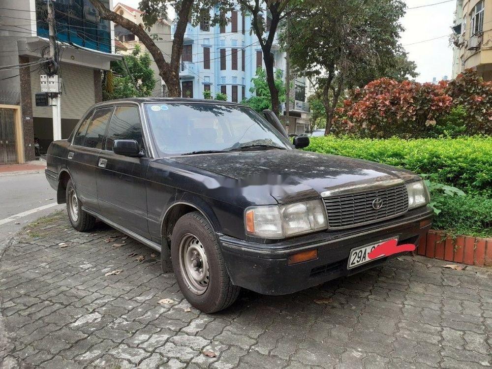 Bán Toyota Crown đời 1992, màu xám, xe nhập, số sàn, giá tốt (1)