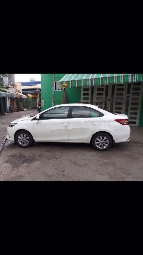Cần bán xe Toyota Vios 2018, màu trắng (1)