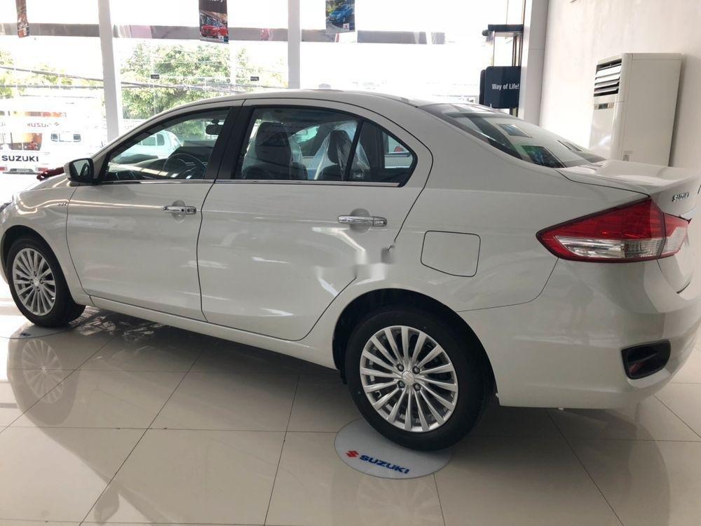 Bán Suzuki Ciaz sản xuất 2019, màu trắng, xe nhập chính hãng (4)