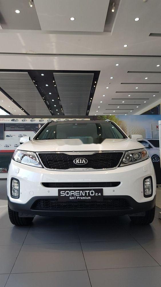 Bán ô tô Kia Soluto sản xuất 2019, màu trắng, xe nhập chính hãng (2)