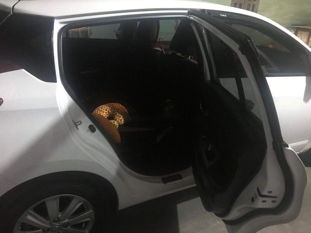 Bán ô tô Toyota Yaris năm sản xuất 2016, màu trắng, nhập khẩu nguyên chiếc chính hãng (6)
