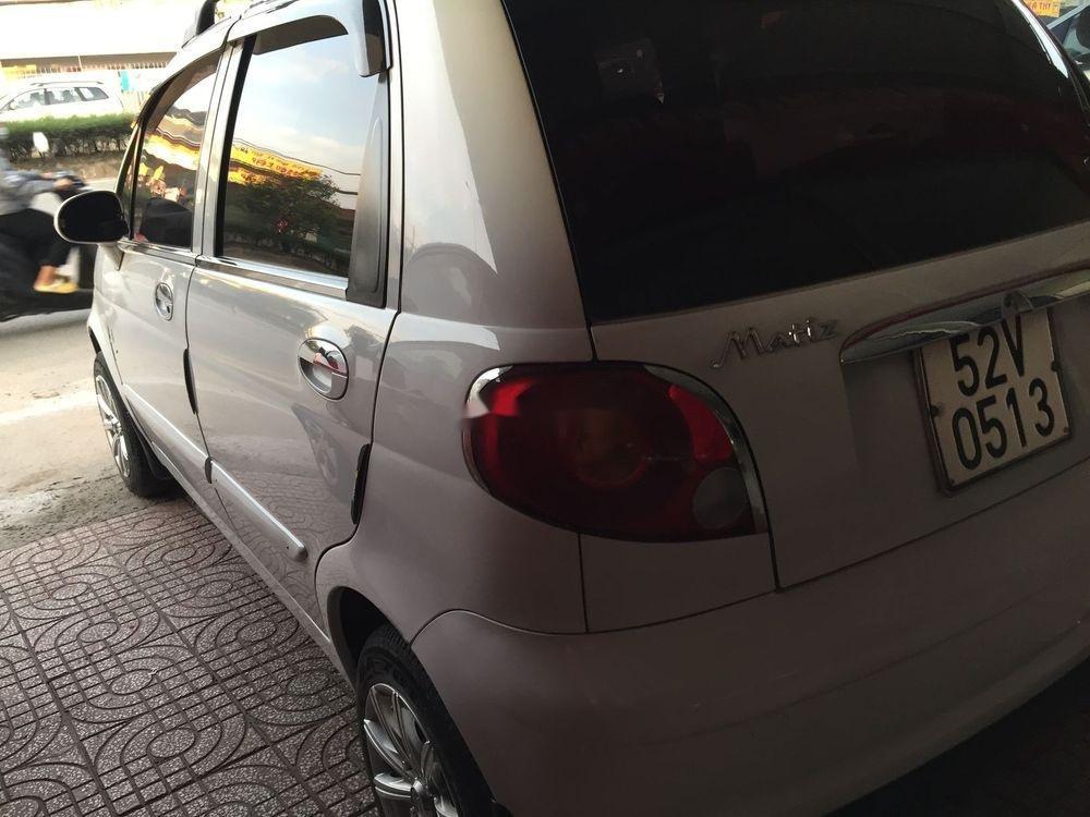 Cần bán gấp Daewoo Matiz sản xuất 2002, màu trắng, 110 triệu (9)