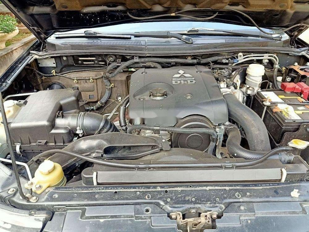 Cần bán lại xe Mitsubishi Triton MT đời 2013, nhập khẩu nguyên chiếc (2)