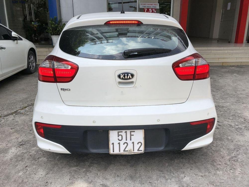 Bán ô tô Kia Rio đời 2015, màu trắng, nhập khẩu nguyên chiếc chính hãng (1)