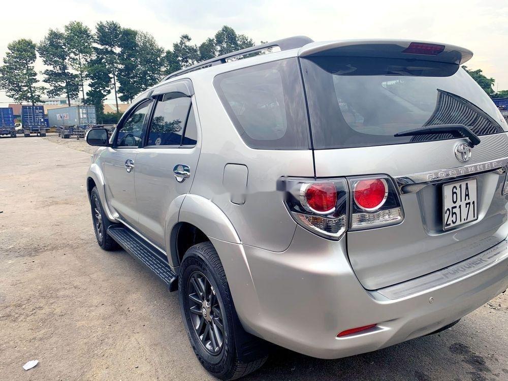 Bán Toyota Fortuner đời 2015, màu bạc chính chủ, giá tốt xe nguyên bản (4)