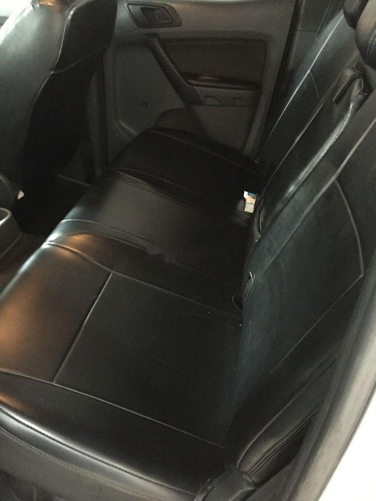 Cần bán Ford Ranger đời 2015, màu xám, nhập khẩu xe gia đình xe nguyên bản (10)