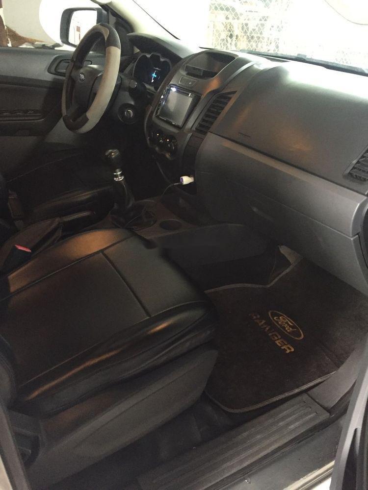 Cần bán Ford Ranger đời 2015, màu xám, nhập khẩu xe gia đình xe nguyên bản (11)