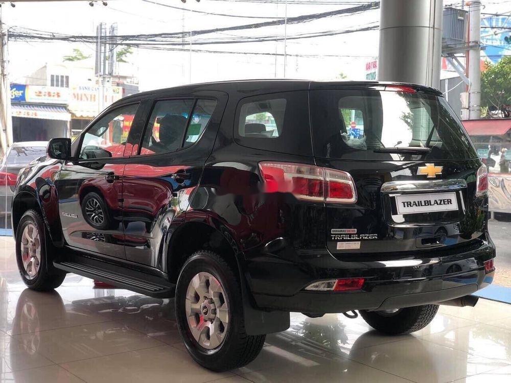 Cần bán Chevrolet Trailblazer 2019, màu đen, nhập khẩu nguyên chiếc chính hãng (2)