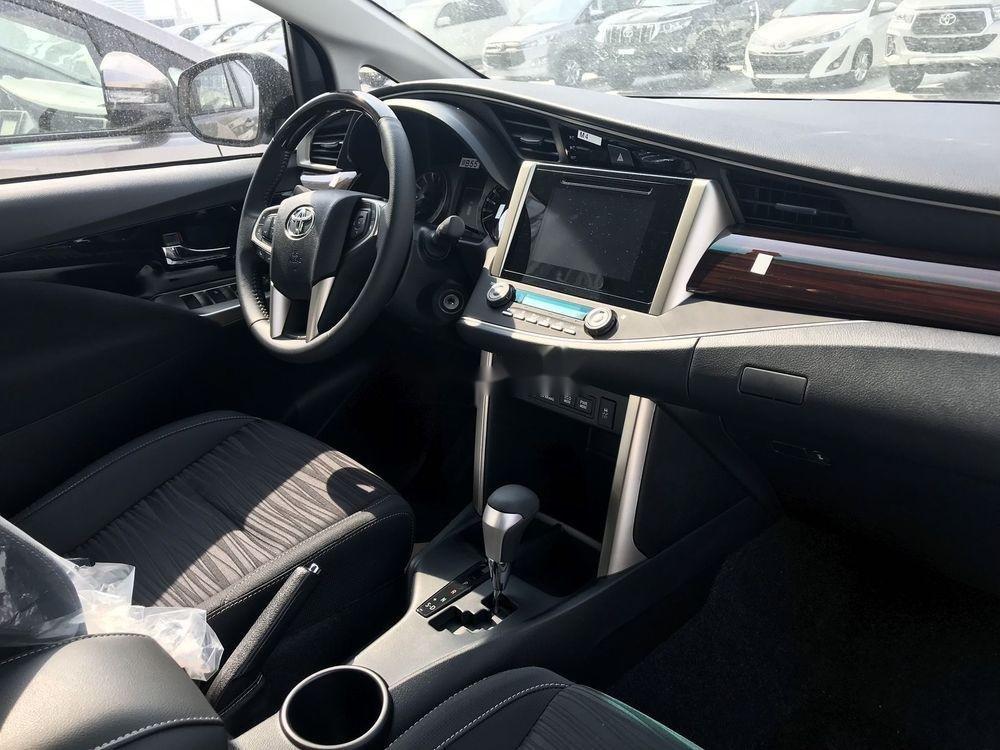 Bán Toyota Innova 2019, màu trắng, giá tốt (4)