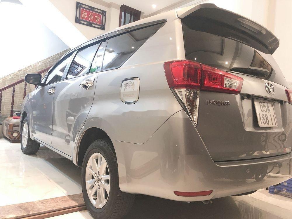 Bán Toyota Innova năm 2019, màu bạc, xe nhập, xe gia đình (4)