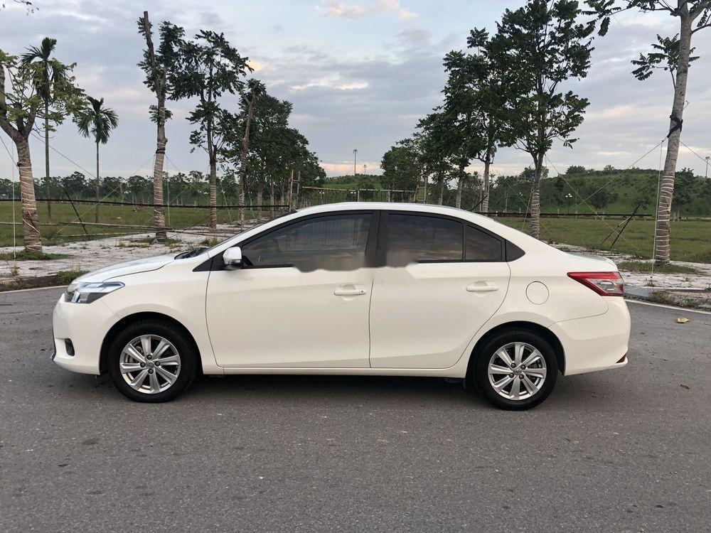 Bán Toyota Vios sản xuất năm 2017, màu trắng xe gia đình xe nguyên bản (3)