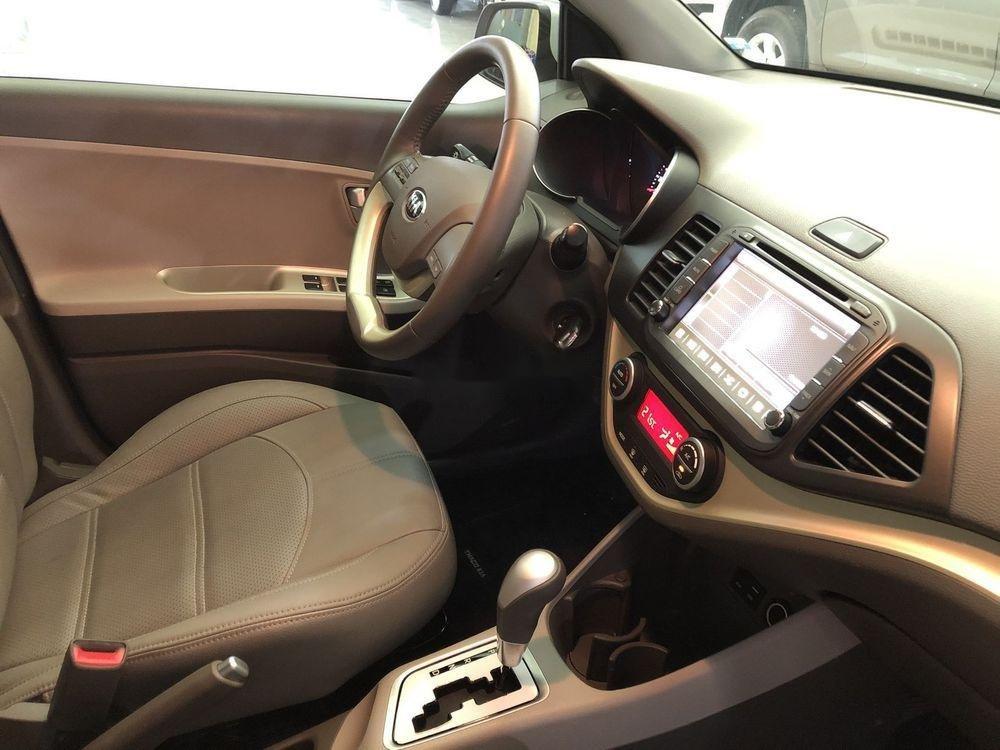 Bán ô tô Kia Morning đời 2017 xe nguyên bản (10)