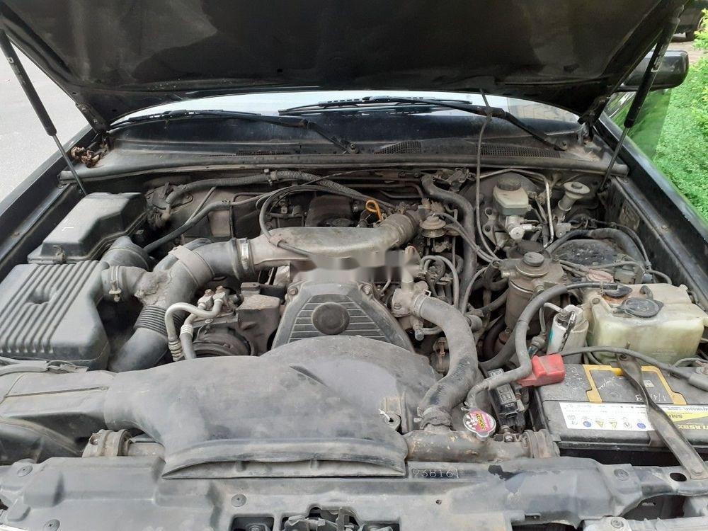 Bán Toyota Crown đời 1992, màu xám, xe nhập, số sàn, giá tốt (8)
