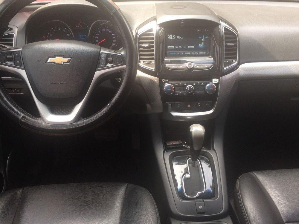 Bán xe Chevrolet Captiva năm sản xuất 2016, màu đen chính chủ xe nguyên bản (4)