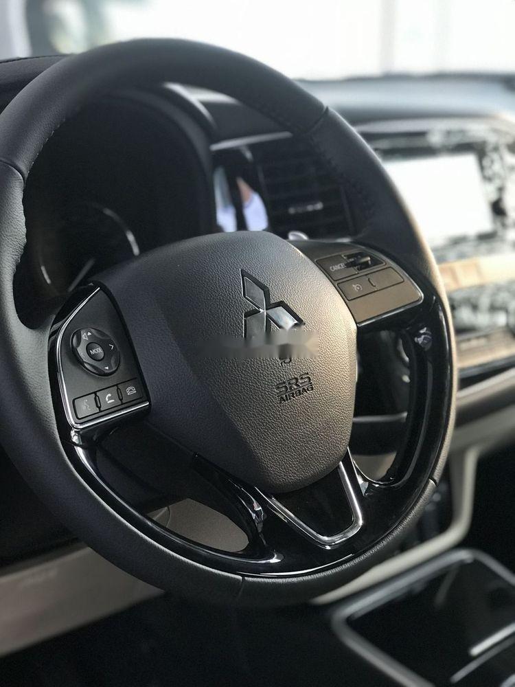 Cần bán xe Mitsubishi Outlander 2019, giá chỉ 909 triệu (3)