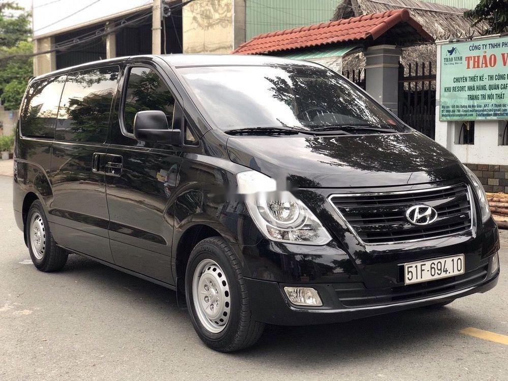 Bán Hyundai Grand Starex đời 2016, màu đen xe gia đình xe nguyên bản (5)