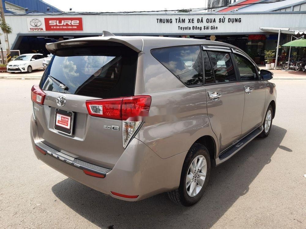 Bán xe Toyota Innova số sàn năm 2018, giá chỉ 720 triệu xe nguyên bản (4)