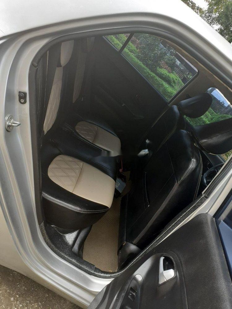 Cần bán gấp Kia Morning năm 2014, màu bạc xe gia đình xe nguyên bản (5)