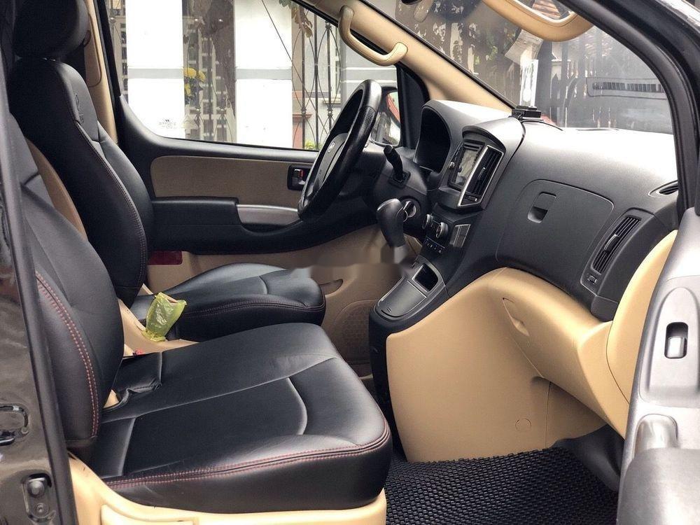 Bán Hyundai Grand Starex đời 2016, màu đen xe gia đình xe nguyên bản (6)