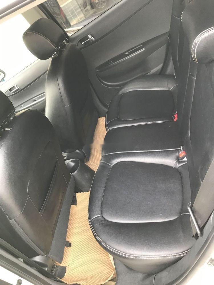 Cần bán Hyundai i20 đời 2013 xe nguyên bản (7)
