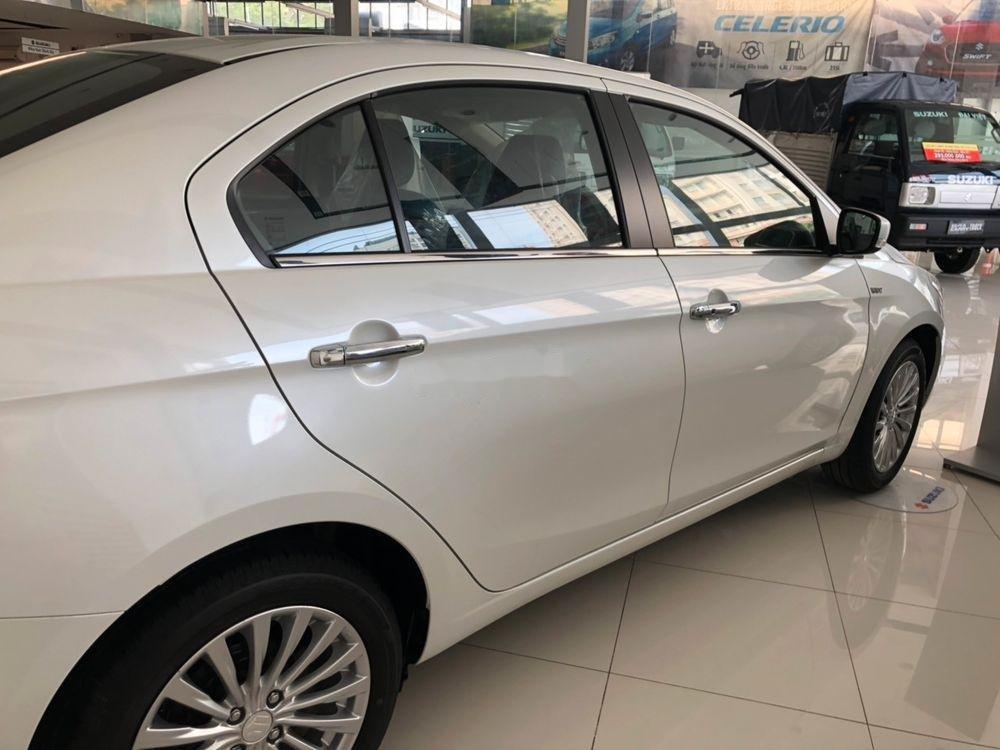 Bán Suzuki Ciaz sản xuất 2019, màu trắng, xe nhập chính hãng (3)