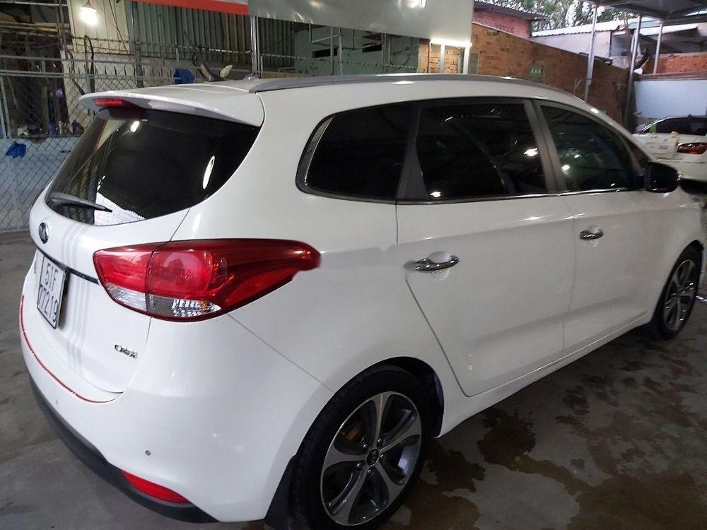 Cần bán gấp Kia Rondo sản xuất 2016, màu trắng, 575tr (7)