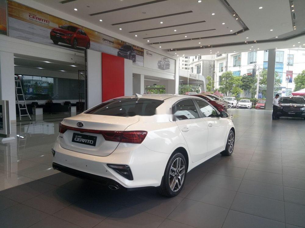 Bán Kia Cerato đời 2019, màu trắng, giá cạnh tranh (5)
