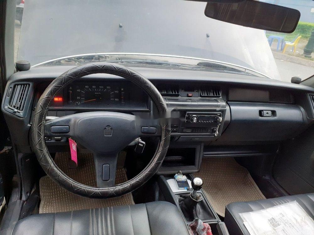 Bán Toyota Crown đời 1992, màu xám, xe nhập, số sàn, giá tốt (4)