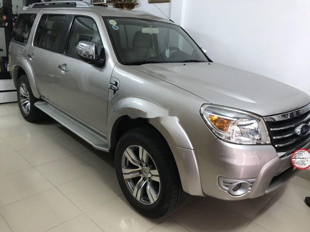 Cần bán xe Ford Everest năm sản xuất 2010 (1)