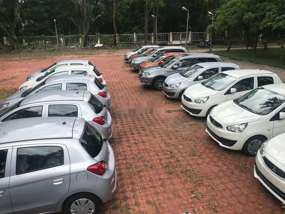 Cần bán Mitsubishi Mirage năm 2018, màu trắng, xe nhập chính hãng (4)