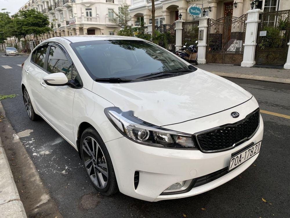 Bán Kia Cerato đời 2018 giá cạnh tranh xe nguyên bản (2)