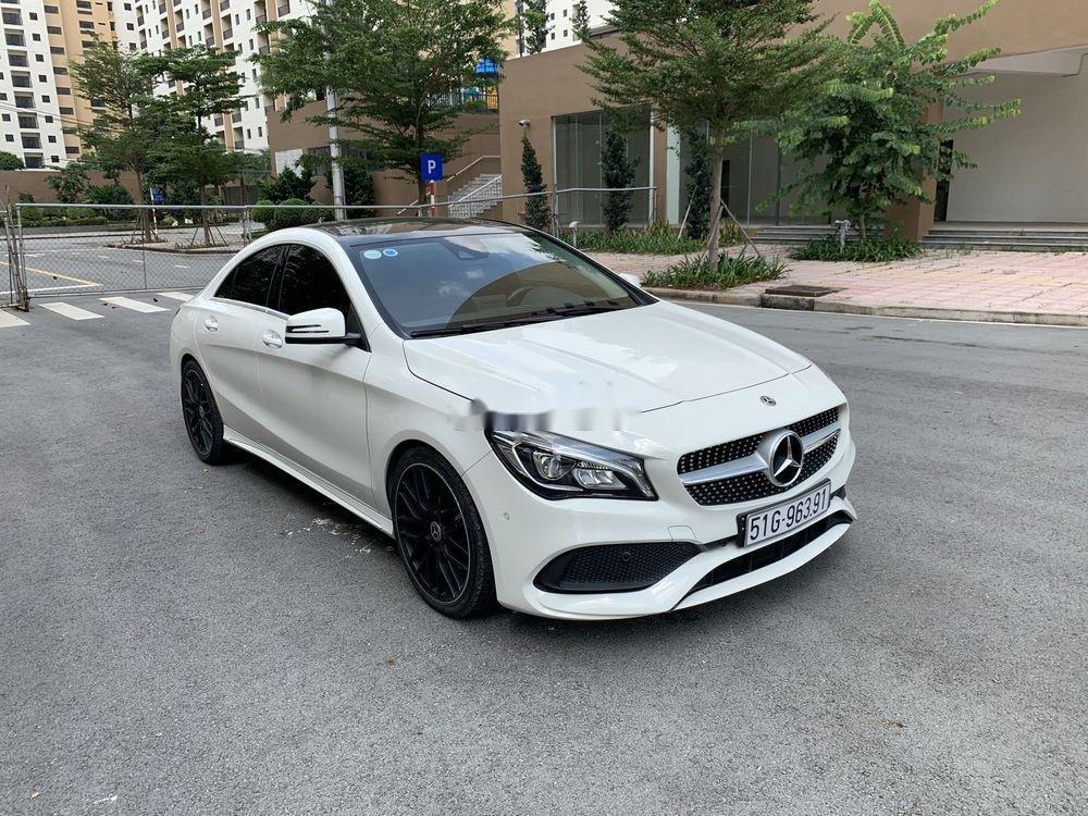 Cần bán xe Mercedes năm sản xuất 2017, màu trắng, xe nhập chính hãng (6)