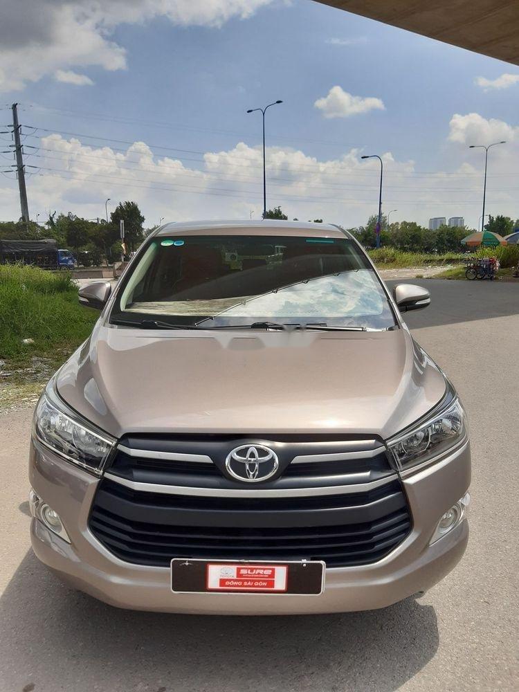 Bán xe Toyota Innova số sàn năm 2018, giá chỉ 720 triệu xe nguyên bản (3)