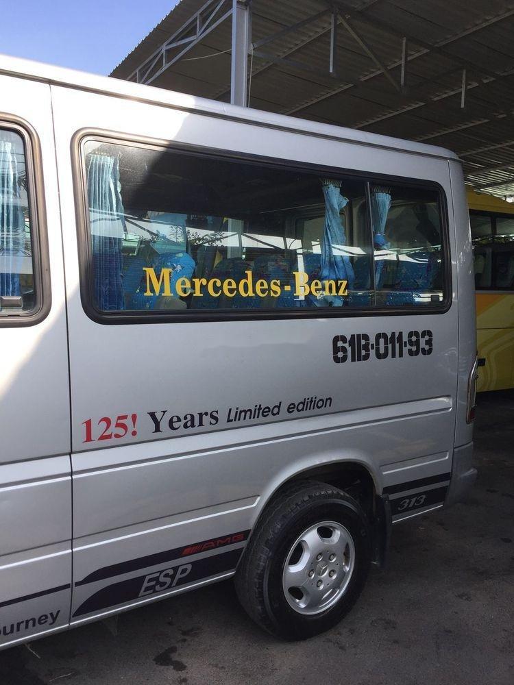 Cần bán xe Mercedes đời 2010, màu bạc xe gia đình, giá chỉ 360 triệu xe nguyên bản (3)