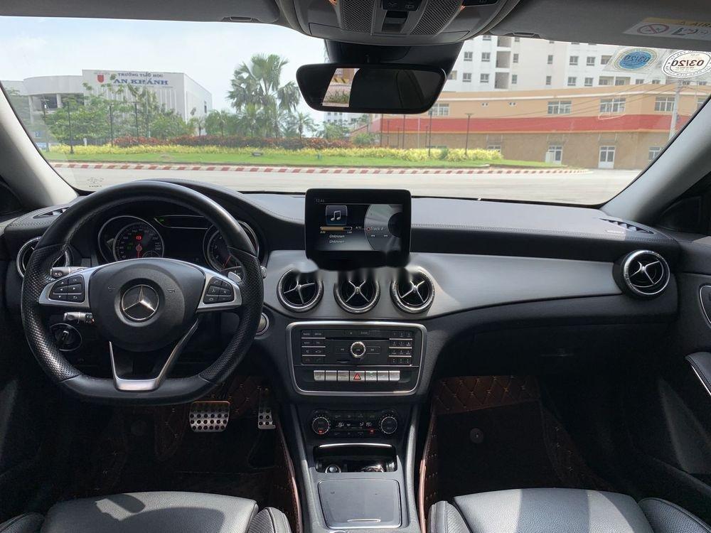 Cần bán xe Mercedes năm sản xuất 2017, màu trắng, xe nhập chính hãng (7)