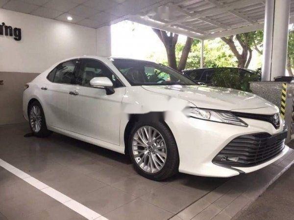 Bán xe Toyota Camry năm 2019, nhập khẩu chính hãng (2)